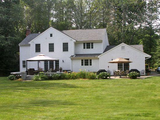 625 Towne House Rd, Fairfield, CT 06824