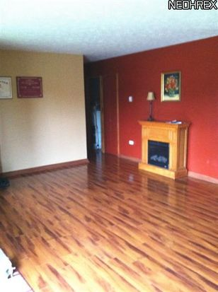 24405 Sherborne Rd, Bedford Heights, OH 44146