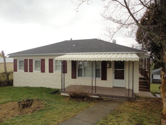 803 Summerlee Ave, Oak Hill, WV 25901