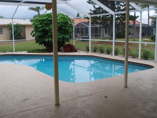 5 Windsor Dr, Englewood, FL 34223