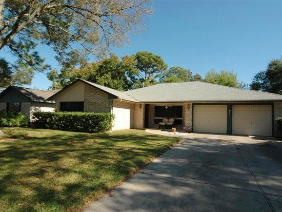1722 Bowline Rd, Houston, TX 77062