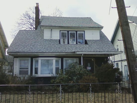 18808 Dormans Rd, Saint Albans, NY 11412