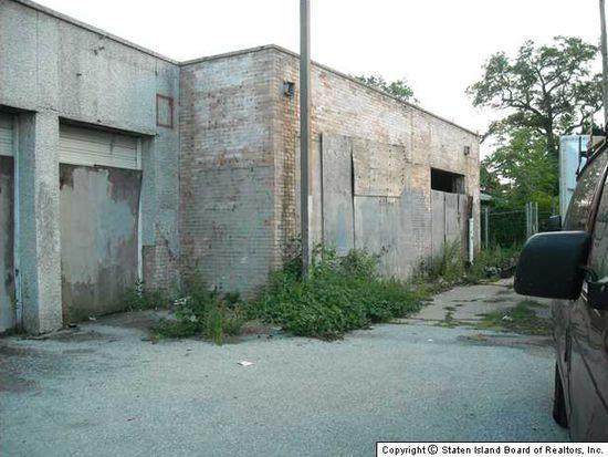 930 Hylan Blvd, Staten Island, NY 10305