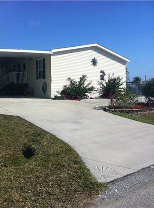 720 Holiday Dr, Punta Gorda, FL 33950