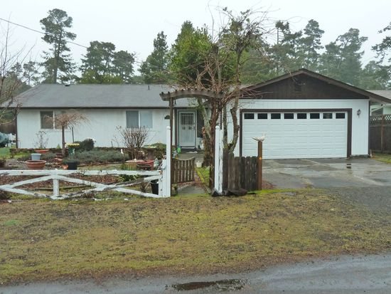 1325 20th St, Florence, OR 97439
