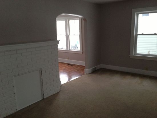 2017 37th St NW, Canton, OH 44709