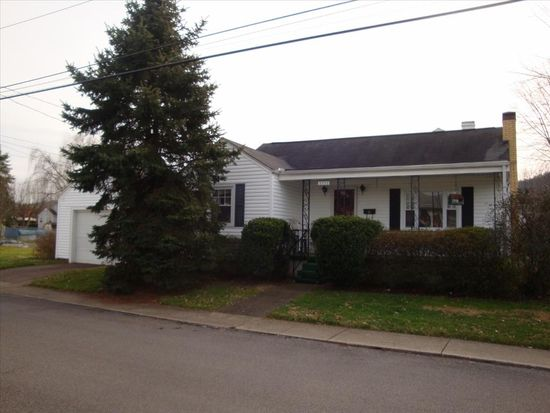2239 Myers Ave, Dunbar, WV 25064