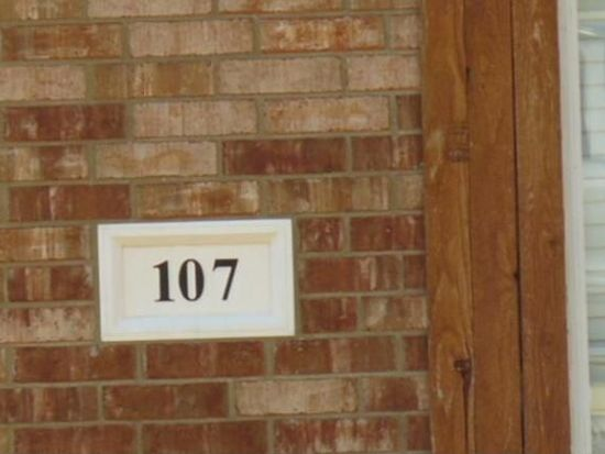 107 Shady Trail Ln, Red Oak, TX 75154