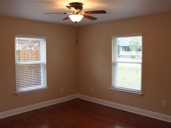 215 Citrus Rd, River Ridge, LA 70123