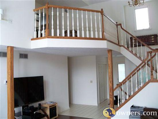 58 Colonial Cir, Fairport, NY 14450