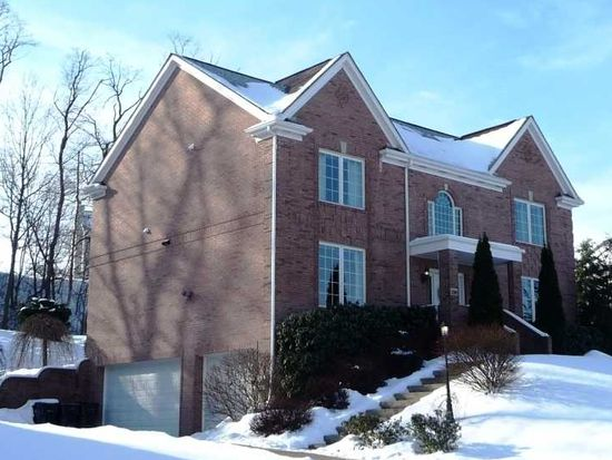 240 Saint Leonards Ln, Cranberry Twp, PA 16066
