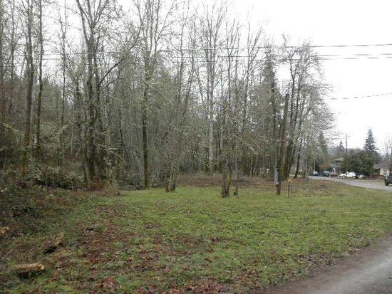 515 6th St, Glendale, OR 97442