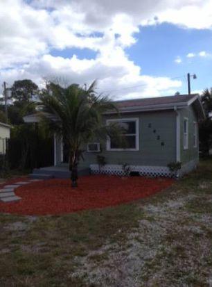 2426 Stella St, Fort Myers, FL 33901