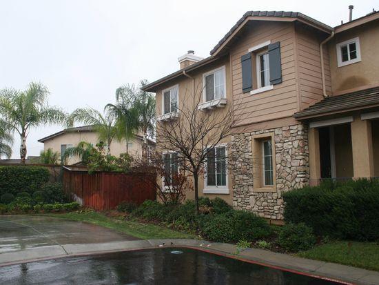 11390 Garden Point Ct, Riverside, CA 92505