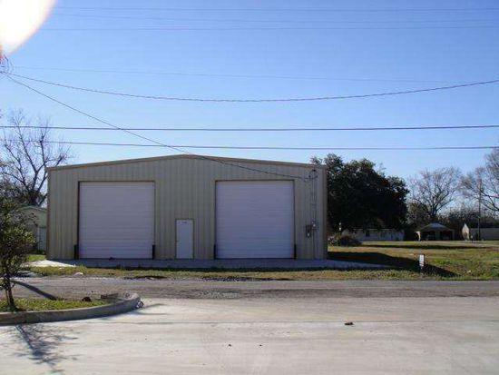 2107 Canal St, Port Arthur, TX 77640