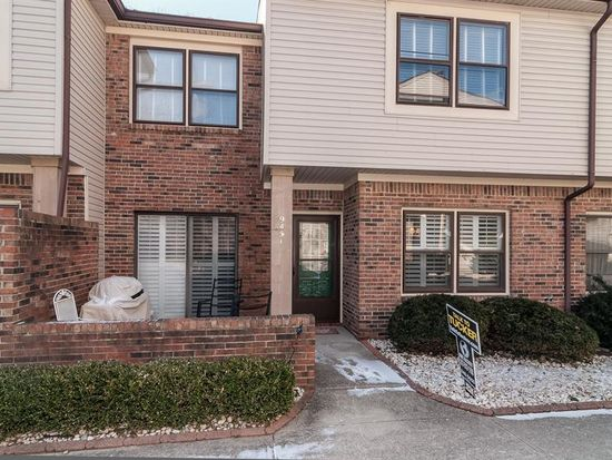 9451 Maple Way, Indianapolis, IN 46268