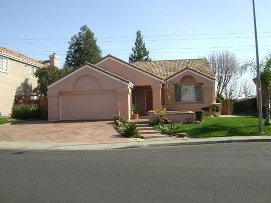832 Derry Cir, Vacaville, CA 95688