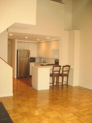 170 E 88th St APT 8C, New York, NY 10128