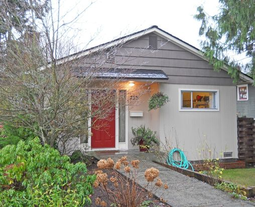 733 N 88th St, Seattle, WA 98103