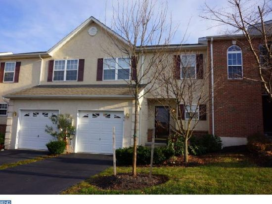 106 Hillcourt Dr, Red Hill, PA 18076