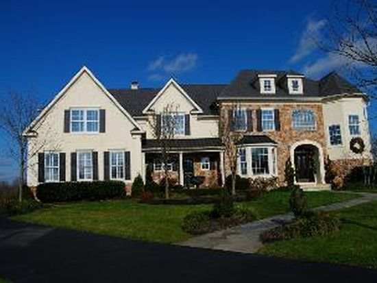 4041 Steeplechase Dr, Collegeville, PA 19426