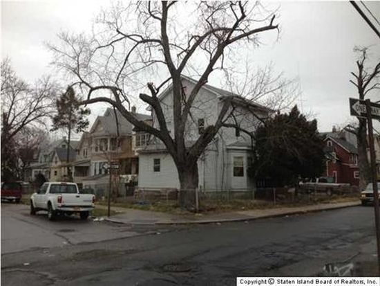 54 Simonson Pl, Staten Island, NY 10302