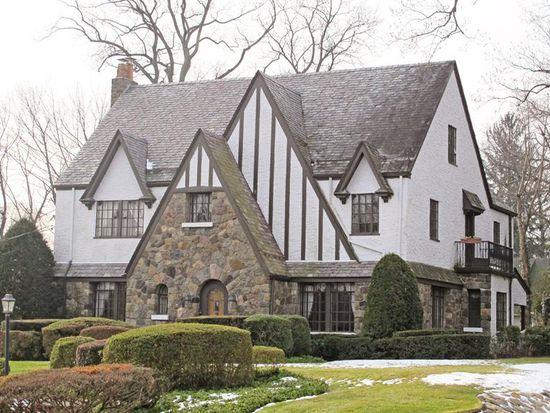 302 Manor Rd, Ridgewood, NJ 07450