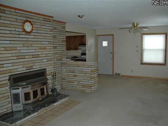 9860 Clay St, Montville, OH 44064