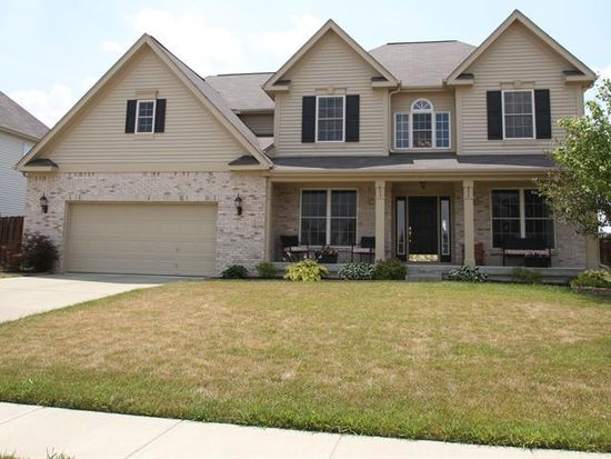 8883 Flagstone Dr, Zionsville, IN 46077