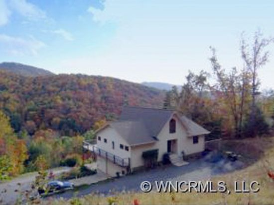 9 Bees Mountain Dr, Asheville, NC 28804