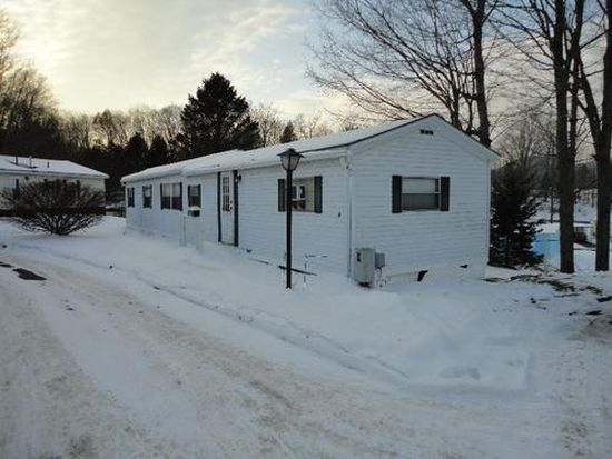 10 Dogwood Ln, Pittsfield, MA 01201