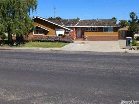 967 Terrace Dr, Oakdale, CA 95361