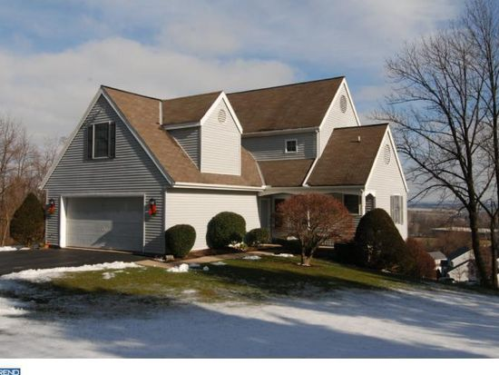 60 Patterson Dr, Robesonia, PA 19551