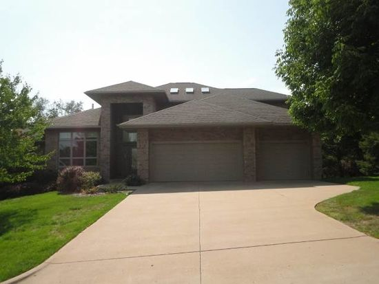 343 Butternut Ln, Iowa City, IA 52246