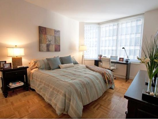 10 Barclay St APT 24F, New York, NY 10007