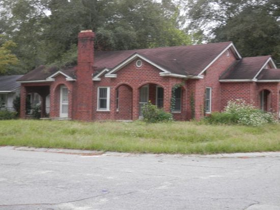 300 6th St SW, Moultrie, GA 31768