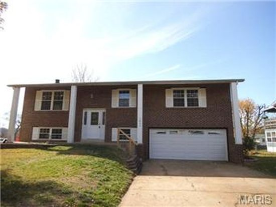 1832 Cottonwood Dr, Imperial, MO 63052