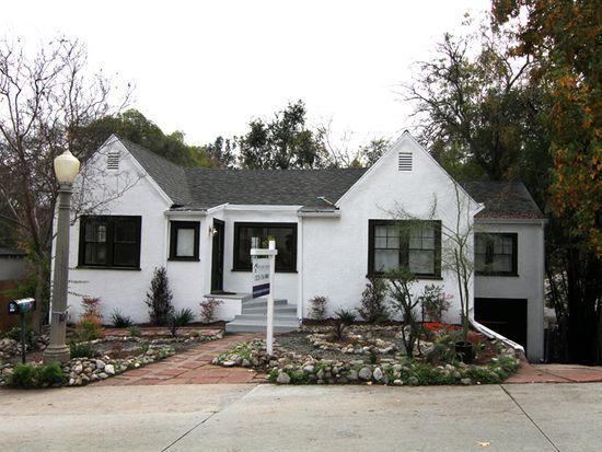 1496 Cheviotdale Dr, Pasadena, CA 91105