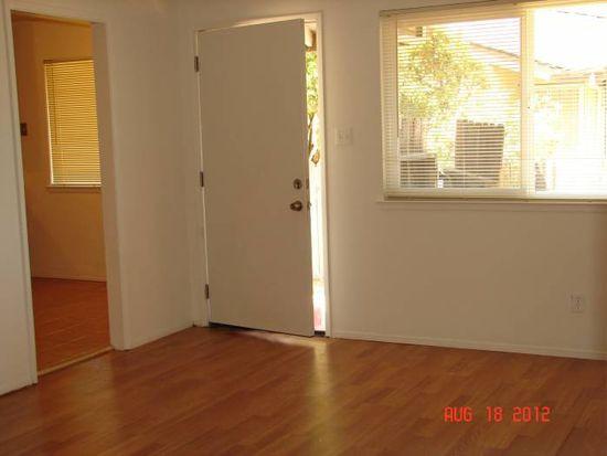 7923 Loucreta Dr, Sacramento, CA 95828