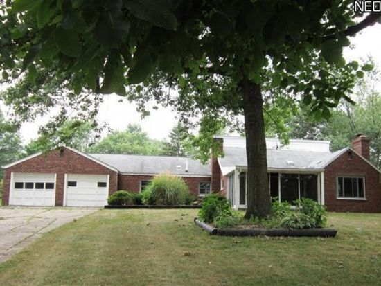 2958 Pickle Rd, Akron, OH 44312