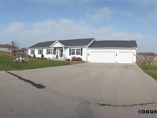 12650 Brentwood Ct, Peosta, IA 52068