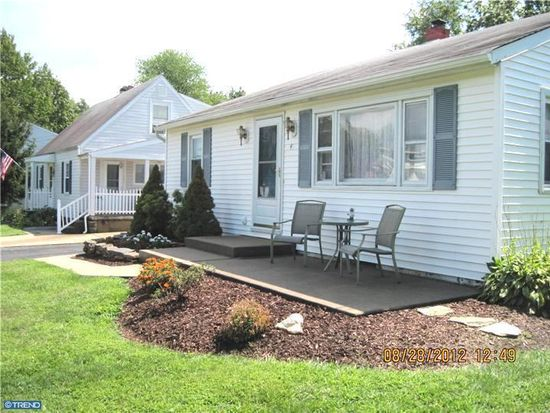 43 4th St, Feasterville Trevose, PA 19053