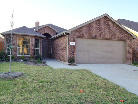 2004 Carriage Rd, Heartland, TX 75126
