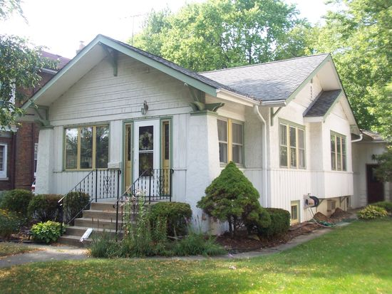 336 Olmsted Rd, Riverside, IL 60546