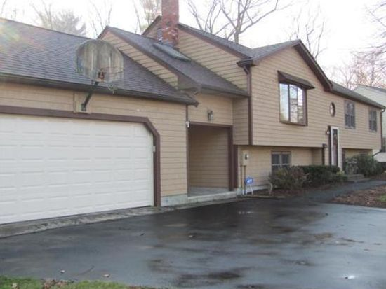 12 Heritage Dr, Rockland, MA 02370