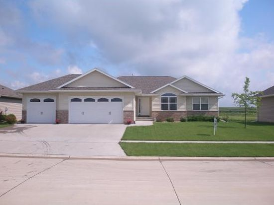 3250 Stanley Cup Dr, Marion, IA 52302