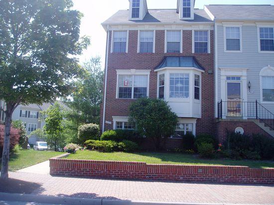 45064 University Dr, Ashburn, VA 20147