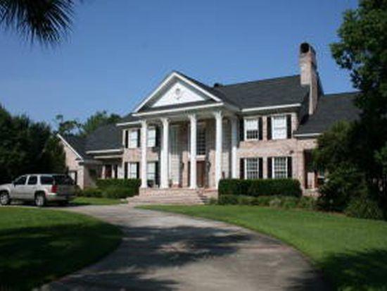 347 Oak Grove Island Dr, Brunswick, GA 31523