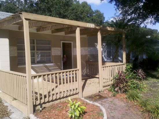 1709 W Dempsey Ave, Tampa, FL 33603