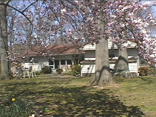 304 Kenwood Dr, Moorestown, NJ 08057